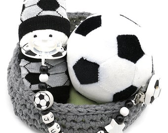 rot Motiv Fussball in Vereinsfarben wei/ß schwarz Baby SCHNULLERKETTE mit NAMEN