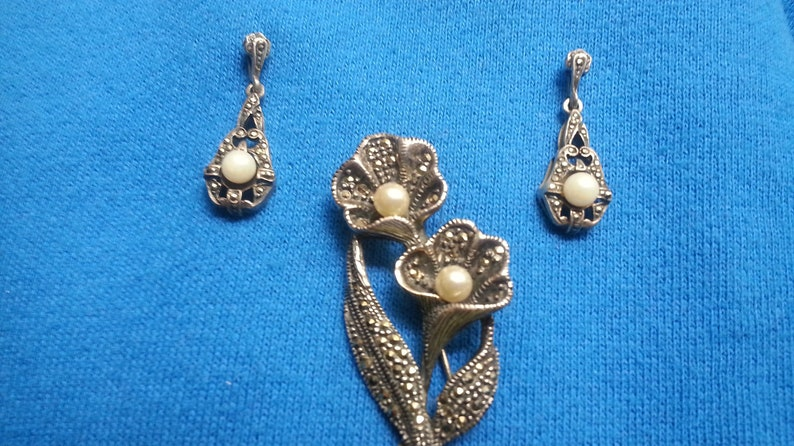 pearls Beautiful sterling silver marcasite flower brooch possibly simulated matching dangle earrings Victorian style beautiful design