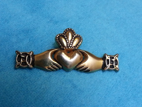 Lovely Vintage Victorian Heart Stick Pin Rhinestone Gold tone Lapel Pin Z1