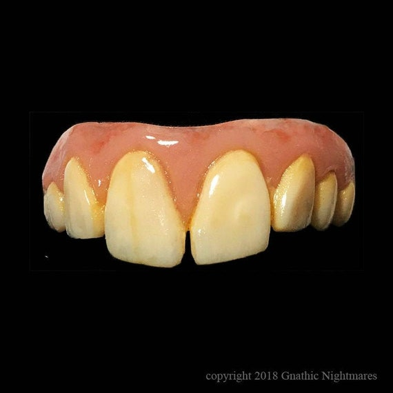 Winfred Character Teeth From Hocus Pocus