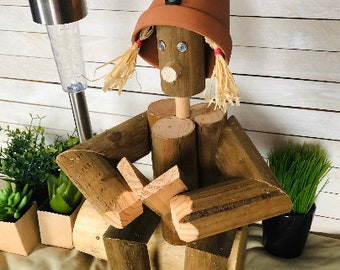 Flower Pot Friend / THE READER / Garden Decor / Home & Garden / Outdoor and Indoor Wooden People / Unique Gift Ideas for Gardeners