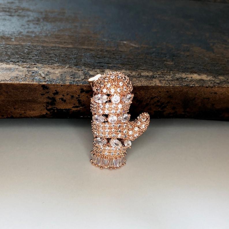 Unique Rose Gold Mitten CZ Cubic Zircon Crystal Rhinestone Glove Brooch Pin Jewelry A1426