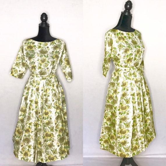 1950s dress/ Vintage 1950s floral dress