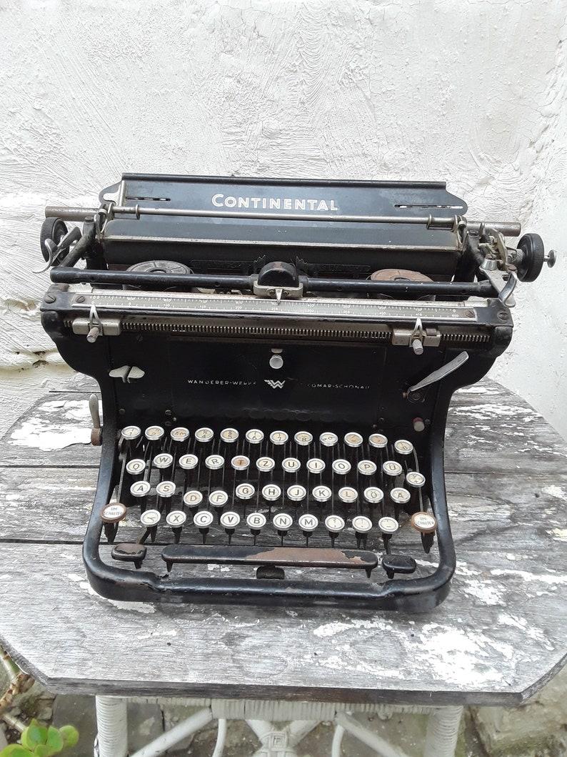 Antike Bürotechnik Uralte Schreibemaschine