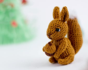Squirrel Crochet Pattern | AllFreeCrochet.com | 270x340