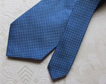Hugo Boss Mens Blue Geometric Print 100/% Silk Tie