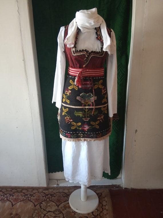Ethnic Antique Women costume. Antique Folklore Cos