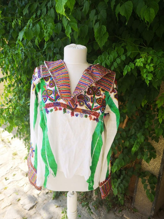 Hand embroidered ethnic women's blouse, Launista T