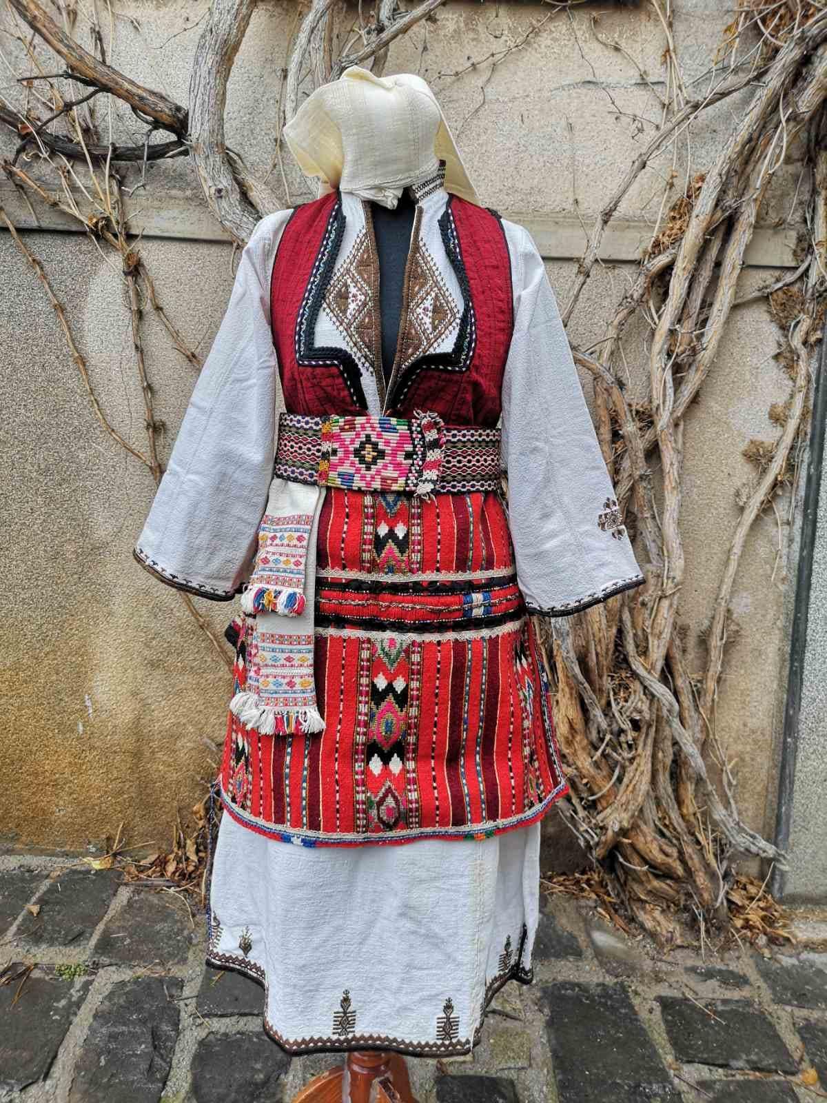 Vintage Aprons, Retro Aprons, Old Fashioned Aprons & Patterns Womens Ethic Costume, Detailed Long Shirt, Rare Apron, Ethnic Costume From Skopska Blatija Region $550.00 AT vintagedancer.com