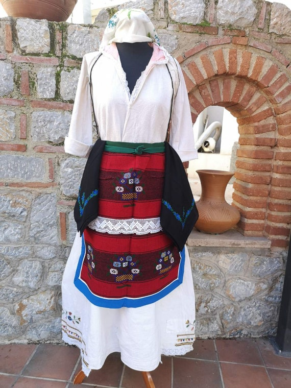 Traditional folklore ethnic women's costume, Kuman