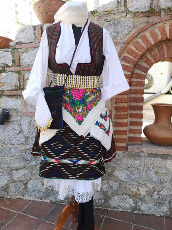 Woman's ethnic costume, traditional folklore cost… - image 9