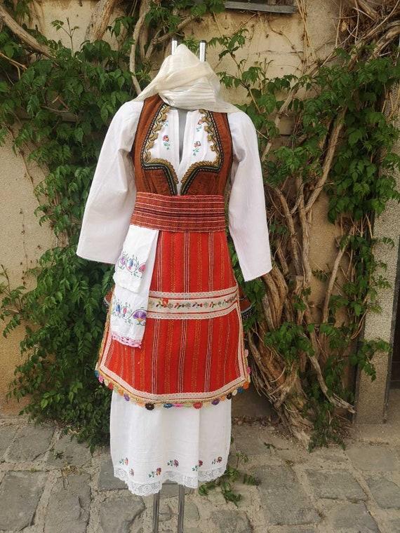 Traditional ethnic women's costume, women's ethnic