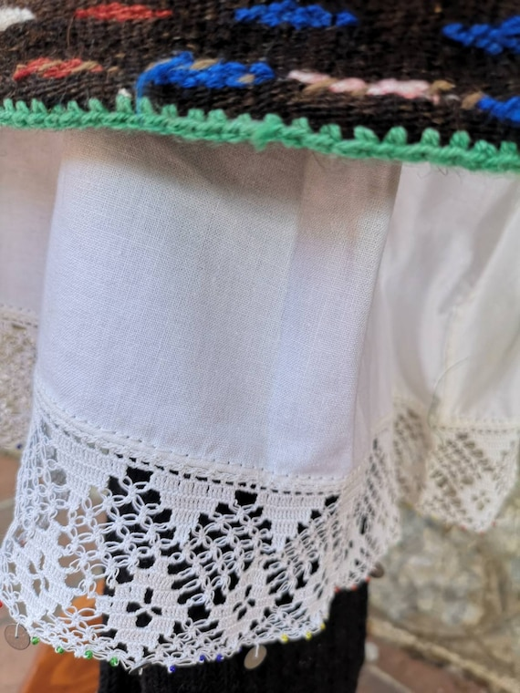 Woman's ethnic costume, traditional folklore cost… - image 6