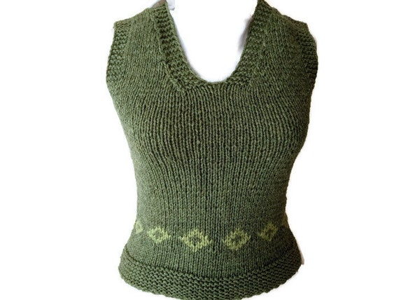 1960's Women Knit Sweater. Vintage Women Fashion.