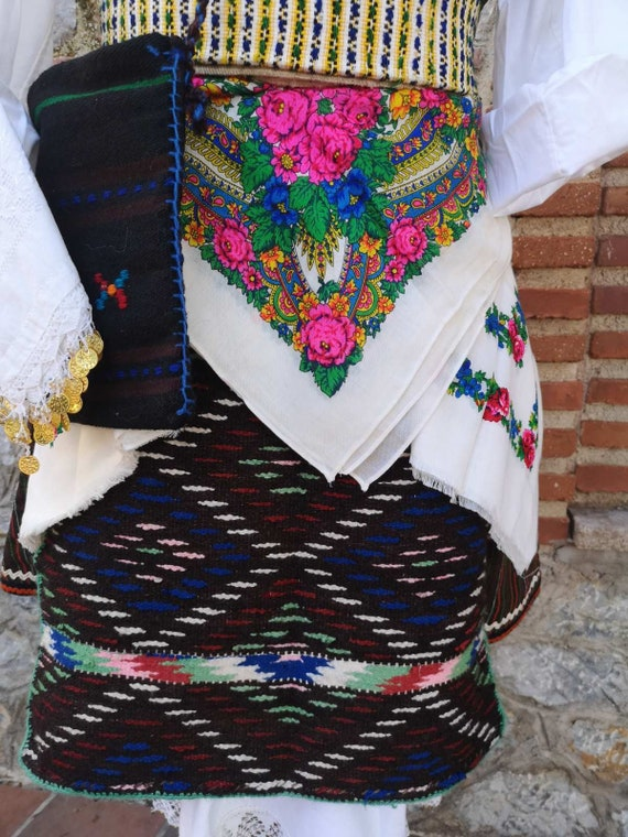 Woman's ethnic costume, traditional folklore cost… - image 2