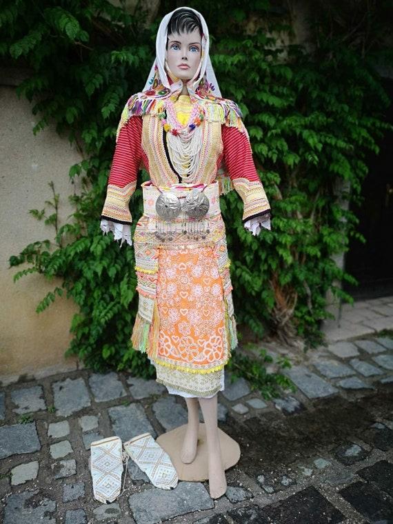 Old wedding costume, Torbeshi ethnic bride's costu
