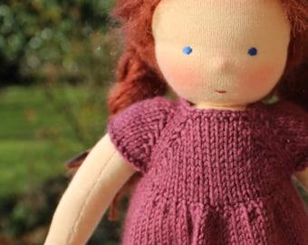 Dolls House Miniature Lavorato a Maglia Bambola di pezza