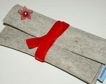 """Red flower """"design felt bag"""
