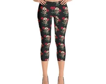 b210f498de3e9 Skull with Roses on Black Capri Leggings