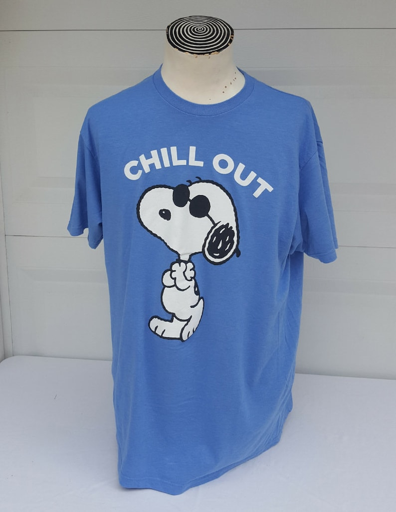 Snoopy Chill Out Tshirt Size XL