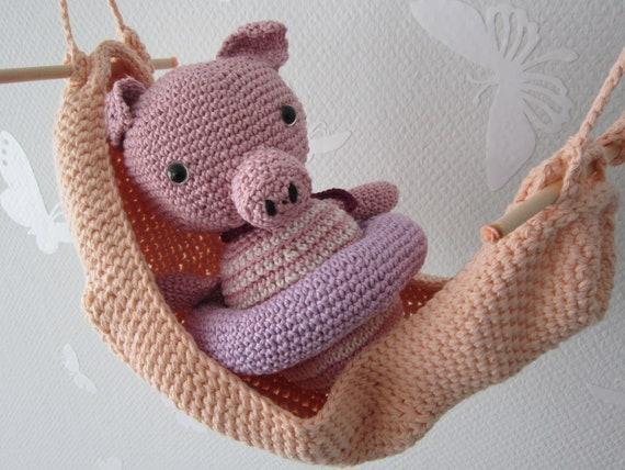 Piggy In Hammock Kinderzimmerdeko