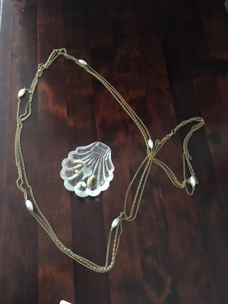 Vintage Avon Flapper Style Draping Pearl Necklace and Drop Earrings