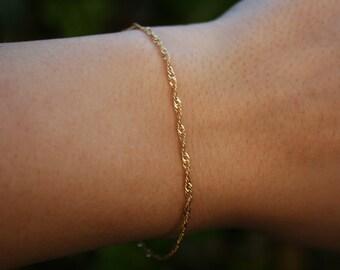 82c6659b6fa Minimalist bracelet / Dainty Chain Bracelet / Gold Bracelet / Thin Chain  Bracelet / Skinny Bracelet / Layering Bracelet / Minimal Jewelry