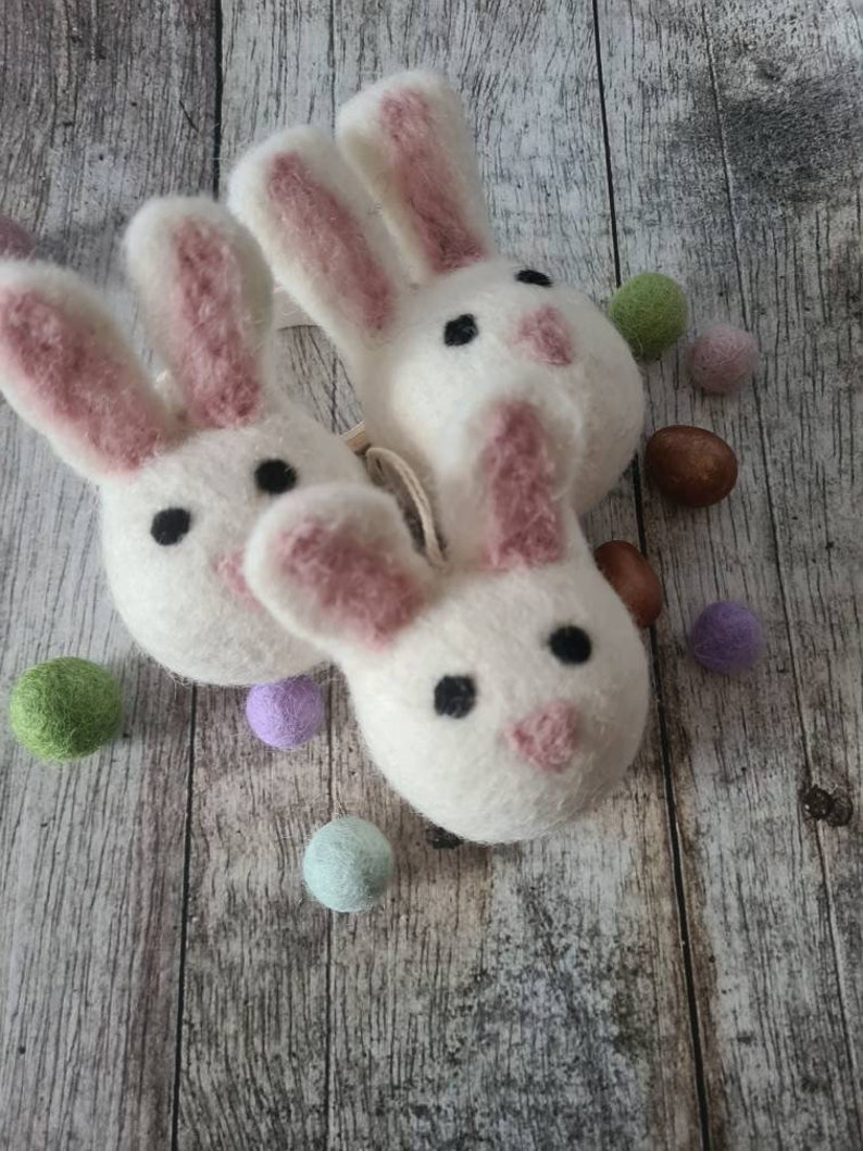 3 x Needle Felted Easter Bunny decorations Spring  garland,ornaments. felted wool bunny pompoms,DIY projects.Home decoration