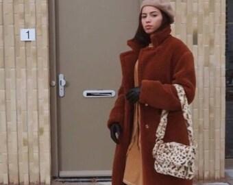 41c1b38145e Leopard Pattern Faux Fur Shoulder Bag   Soft Fluffy Teddy Bag