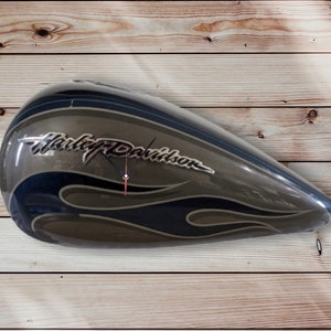 Harley Davidson Wall Clock Hand-Made  Man Cave  Office Ultra FLHT Limited Fuel Tank