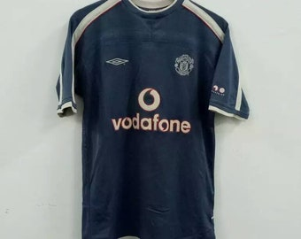 c57dd06ab Manchester United x Umbro Training Jersey Vodafone sponsored 2000s