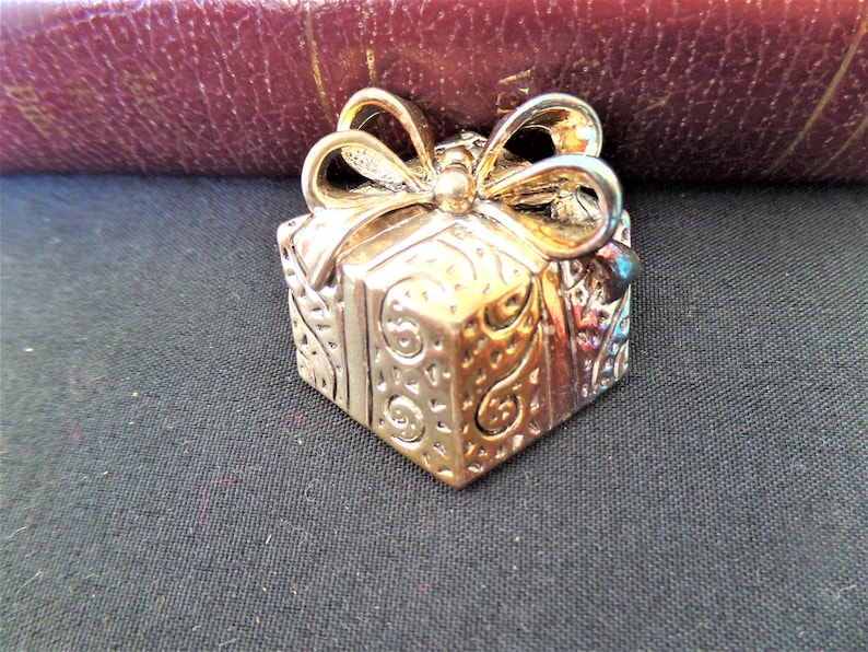 Costume Jewelry Holiday Brooch Present Box Pin Vintage Christmas Brooch Vintage Ornate GoldSilver TONE Metal Christmas Present Brooch