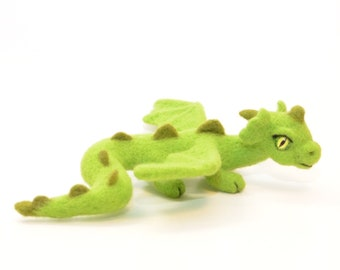 felted dragon, baby dragon sculpture, fantasy figure dragon, green dragon