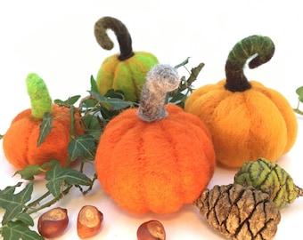 Set of felted pumpkins, Halloween decoration, autumn deco, Thanksgiving pumpkin