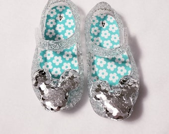 ab0f47a89f6f Size 4 clear sparkle jelly shoes with sequin silver mouse