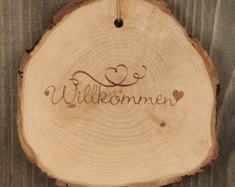 """Baumscheibe personalisiert /""""Willkommen bei Familie …/"""" mit Loch zum Aufhängen"""
