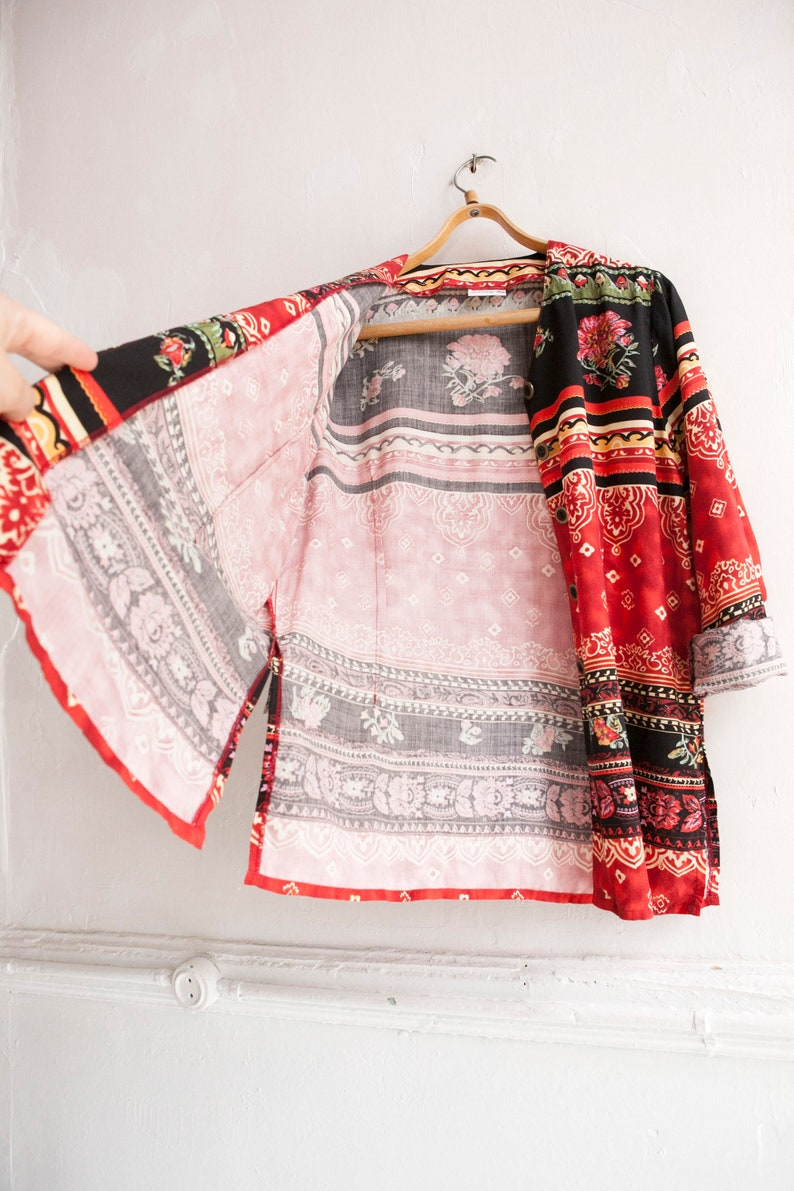 90s Floral Blouse Size M Womens Red Ethnic Rayon Blouse Long Sleeve Tapestry Top Oriental Top Slitted Blouse Patterned Festival Overshirt
