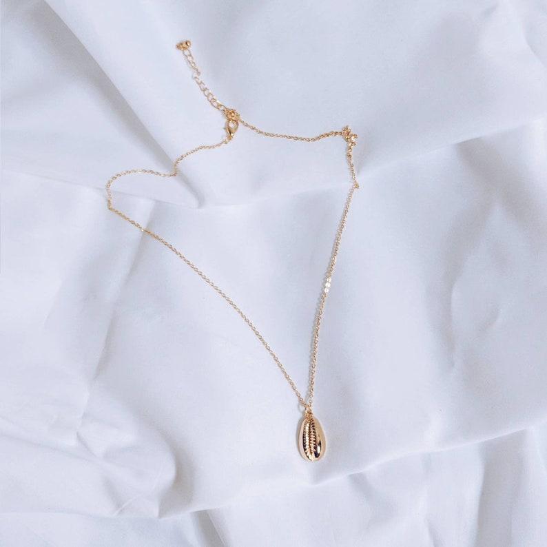 PAZIT Coffee Bean Trivia Minimalist Seashell Necklace