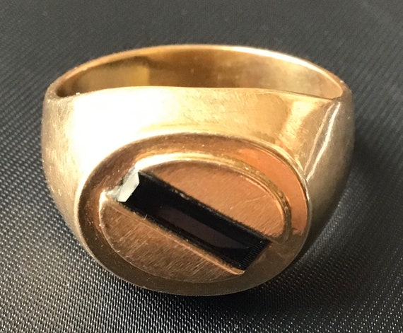 Vintage Men's 18k Gold Ring With Natural Stone