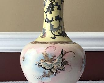 """Antique/ Vintage Japanese or Chinese Porcelain Vase, 11 3/4"""""""
