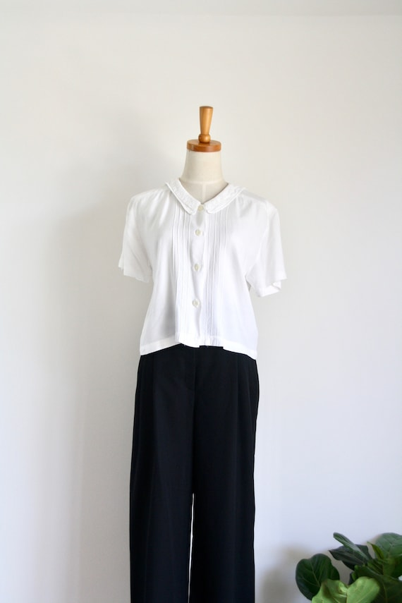 Vintage white lace blouse. 1960s white blouse. Vin