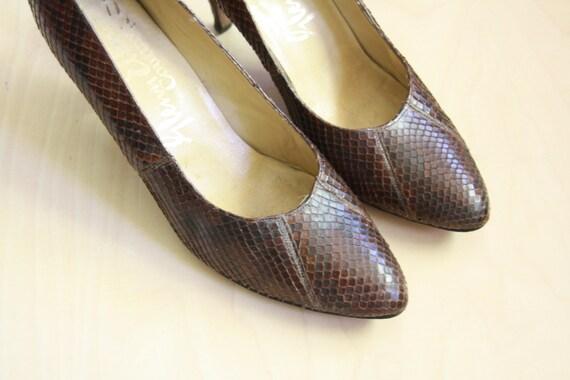 50s brown snake skin pumps. Snake leather heels. 5