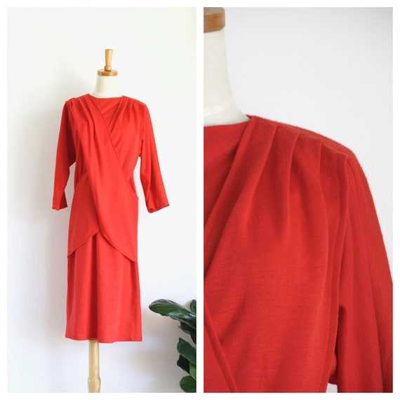 Vintage red knit dress. Red jersey winter dress. r