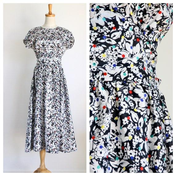 Vintage 90s does 30s floral dress. Black summer dr