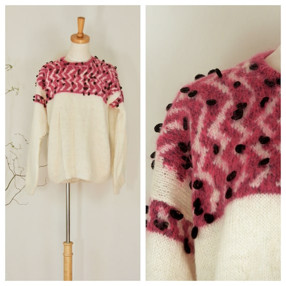 Fuzzy cream wool sweater. Vintage pink pullover. F