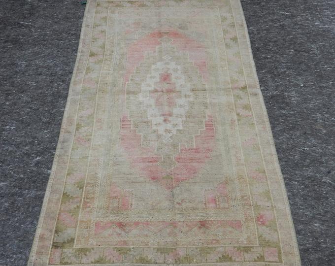 4'2'' x 7'2'' Anatolian Rug, Vintage Rug, Old Rug, Handmade Rug, Natural Rug, Wool Rug, Floor Rug,Turkish Rug, Pink, Beige, Green, Medallion