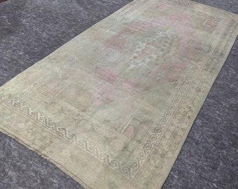 4'8'' x 9'4'' Anatolian Rug, Vintage Rug, Old Rug, Handmade Rug, Natural Rug, Wool Rug, Floor Rug,Turkish Rug, Area Rug, Beige, Pink, Wash