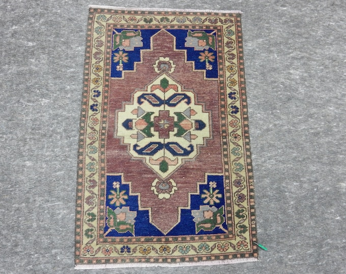 """Medallion Anatolia Rug, Turkish Blue rug, Purple Rug, Vintage handmade rug, 29"""" x 46"""""""