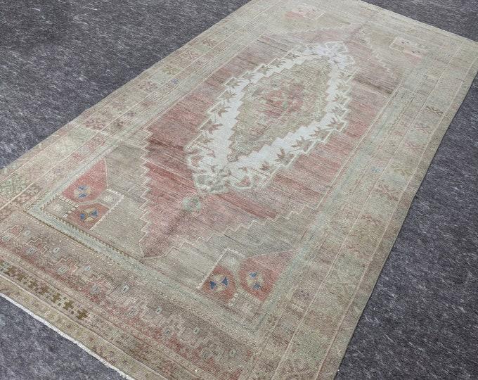 4'9'' x 9'5'' Anatolian Rug, Vintage Rug, Old Rug, Handmade Rug, Natural Rug, Wool Rug, Floor Rug,Turkish Rug, Gallery Size, Beige,Pink,Gray