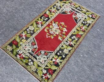 "Smal Rug, Anatolia Rug, Turkish Red rug, Vintage handmade rug, Flower Design, Distressed rug, 33"" x 58"""